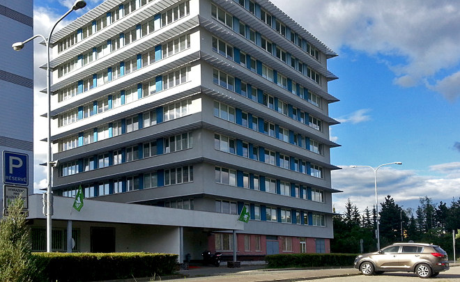 R1D1 Office House